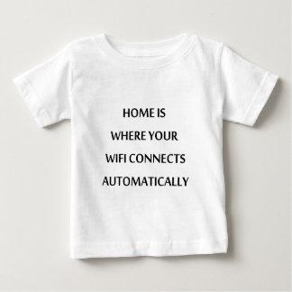 Zuhause ist, wo Ihr wifi automatisch anschließt Baby T-shirt