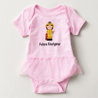 Zukünftiges Feuerwehrmann-Mädchen Baby Strampler