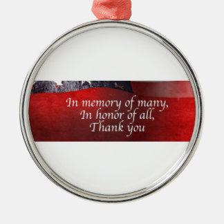 Zum Gedenken an viele zu Ehren aller danke Rundes Silberfarbenes Ornament