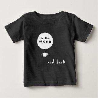 Zum modernen T - Shirt des Mondes und des hinteren