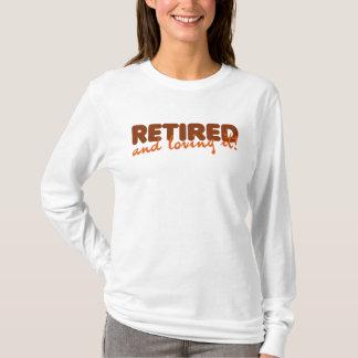 Zurückgezogen und es liebend T-Shirt
