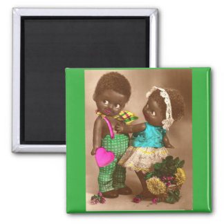 Zwanzigerjahre RPPC entzückende schwarze Puppen in Quadratischer Magnet