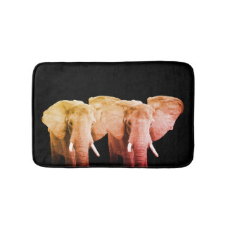 Zwei afrikanische Elefanten auf Schwarzem Badematte