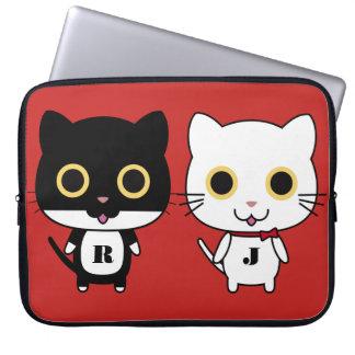 Zwei coole Katzen personalisiert Laptopschutzhülle