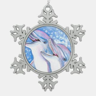 zwei Delphine Schneeflocken Zinn-Ornament