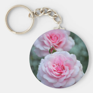 Zwei elegante rosa Rosen Schlüsselanhänger