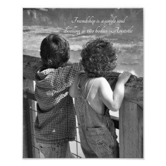 """Zwei kleine Jungen-""""Freund-"""" Aristoteles-Zitat-Fot Fotografie"""