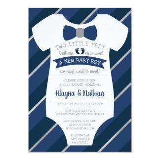Zwei kleiner der Baby-Duschen-Fuß Einladungs-, Karte