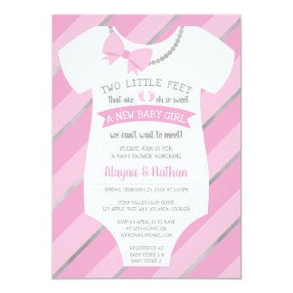 Zwei kleiner Fuß Babyparty-Einladungs- Karte