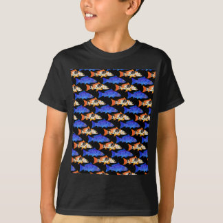 Zwei Koi Karpfen-Muster im Schwarzen T-Shirt