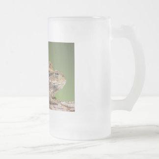 Zwei niedliche Kröten Mattglas Bierglas