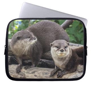 Zwei niedlicher Otter der Otter-| Laptopschutzhülle
