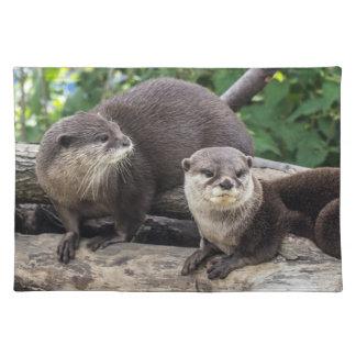 Zwei niedlicher Otter der Otter-| Stofftischset