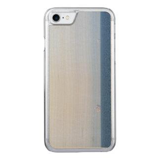 Zwei Ölplattformen Carved iPhone 7 Hülle