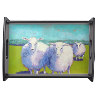 Zwei Schafe auf dem Gebiet Serviertablett