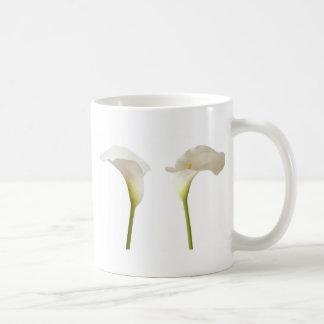 zwei weiße Calla-Blumen Kaffeetasse