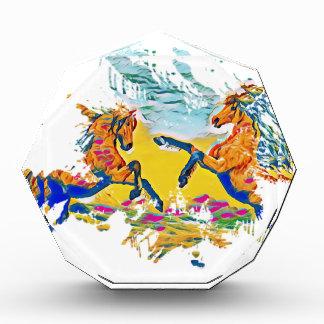 Zwei wilde Pferde in den Winden Auszeichnung
