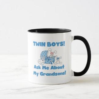 Zwilling-Fragen Sie über meine Enkel-T-Shirts und Tasse